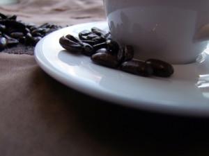 Aldi und Co. zücken den Rotstift: Preisfall für Kaffee und Eier