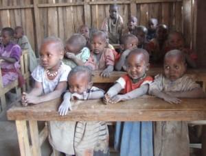18.000 Kinder unter 5 Jahren sterben auf unserer Welt täglich - 3 Millionen Neugeborene werden nicht einmal 4 Wochen alt