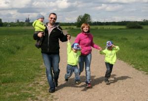 Kinder, Karriere und kein Krankenschein: Wie gestresst sind Deutschlands Eltern wirklich?