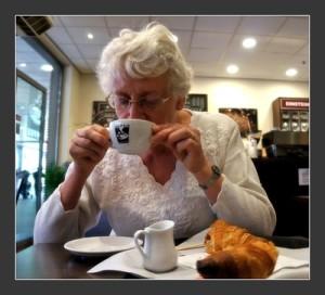 Kaffee macht nicht nur müde Menschen munter - Koffein als Wundermittel gegen Alzheimer?