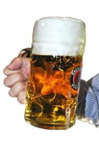 Achtung: Mikroplastikfasern in Bier und Mineralwasser entdeckt