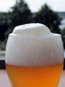 Kalorienbombe Bier: Alkohol macht dick und führt somit zu Übergewicht