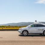 Selbstfahrende Autos: Wer zahlt, wenn die Technik versagt?